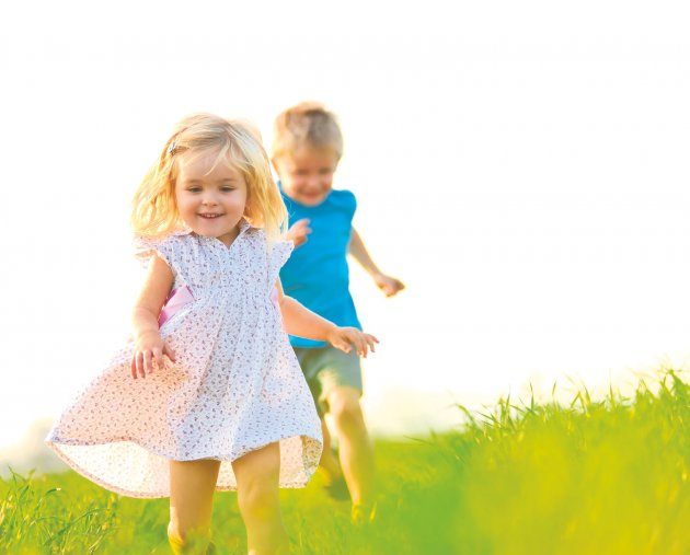 12640_stock-photo-young-girl-runs-through-a-field-happy-and-having-fun-shutterstock_57684247_iff